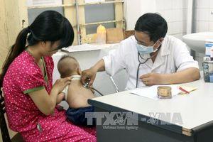 Cảnh báo việc cho trẻ uống thuốc hạ sốt quá liều