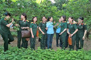 Xây dựng hình ảnh phụ nữ Quân đội '4 tốt'