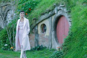 H'Hen Niê đến thăm ngôi làng Hobbit thơ mộng ở New Zealand