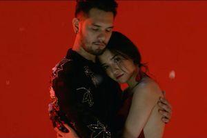 'Nam thần lai Nga' làm bạn trai Bích Phương trong MV mới