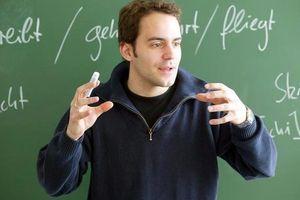 Trung tâm ngoại ngữ tuyển giáo viên nước ngoài như trò khôi hài