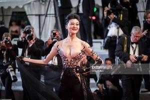 Những bộ cánh phản cảm ở thảm đỏ LHP Cannes 2018
