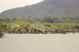 Vụ 3 học sinh mất tích: Tìm thấy các thi thể dưới sông