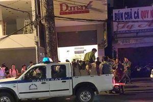 Hai ổ ăn chơi thoác loạn tại Sài Gòn bị cảnh sát đột kích