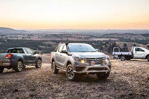 Bán tải Mazda BT-50 mới giá 497 triệu đồng 'đấu' Ford Ranger