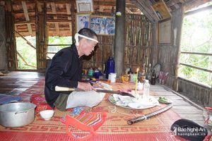 Những vật dụng kỳ bí của thầy mo người Thái ở Nghệ An