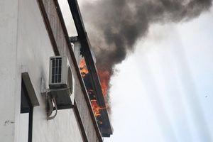 Hiện trường cháy khách sạn Momizi, khách nước ngoài chạy tán loạn