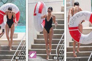 Kendall Jenner khoe thân hình đồng hồ cát nóng bỏng với bikini gợi cảm
