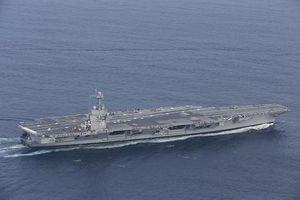 Tàu sân bay Mỹ 'kiệt sức' vì tàu Nga đeo bám?