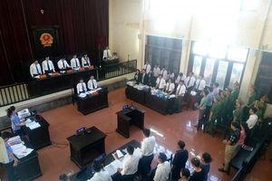 Sáng nay xét xử vụ 8 người chạy thận tử vong tại Hòa Bình