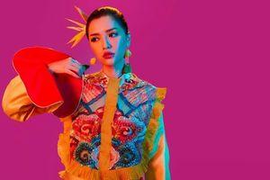 Chi nửa tỷ đồng cho hàng thiết kế Việt, Bích Phương 'bỏ bùa' thành công trong MV mới