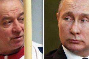 Cựu điệp viên Nga tiết lộ bí mật chết người của Moscow cho châu Âu