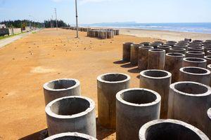 Dự án đê, kè chắn sóng hơn 180 tỷ dở dang trước mùa mưa bão