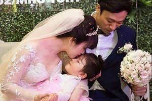9X nhận nuôi bé 14 tháng khoe chồng tâm lý khi vợ mang bầu
