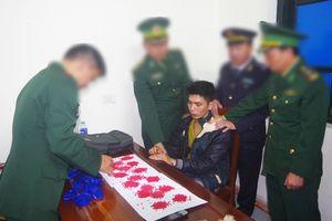 Bắt vụ vận chuyển 3.200 viên ma túy tổng hợp qua cửa khẩu quốc tế Cầu Treo