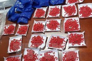 Lạng Sơn: Bắt giữ đối tượng mang hàng nghìn viên ma túy đi tiêu thụ