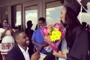 Chàng trai bị ném đá vì cầu hôn tại lễ tốt nghiệp của bạn gái