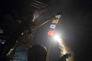 Mỹ rục rịch dàn trận, sắp tung đòn tấn công đầu não Syria?