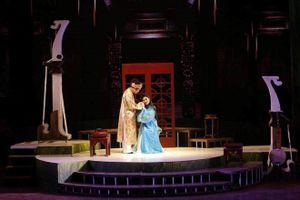 Công diễn vở cải lương 'Thầy Ba Đợi' tại Nhà hát Lớn Hà Nội