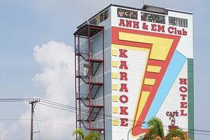 Không an tâm để kinh doanh, quán karaoke mới khai trương lại đóng cửa