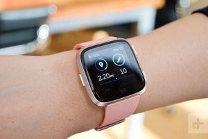 Tư vấn mua đồng hồ thông minh: nên chọn Fitbit thay vì Apple Watch