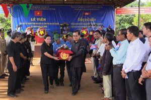 Đưa hài cốt liệt sỹ hy sinh ở Campuchia về nước