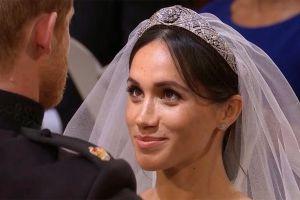 Dân mạng tranh cãi về kiểu tóc của cô dâu hoàng gia Meghan Markle
