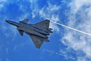 Tiêm kích tàng hình J-20 bị Su-30MKI Ấn Độ 'tóm sống'