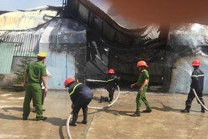 400 người cứu cháy lớn tại Bình Định