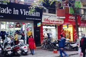 Túi Burberry xuất dư cản đường thương hiệu Việt?