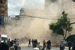 Tháo dỡ nhà ở Lâm Đồng, tường đổ sập đè trúng 3 công nhân
