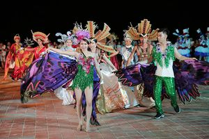 Carnaval đường phố DIFF 2018: Tưng bừng đêm Đà Nẵng