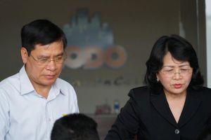 Phó Chủ tịch nước thăm hỏi, động viên người dân chung cư Carina Plaza
