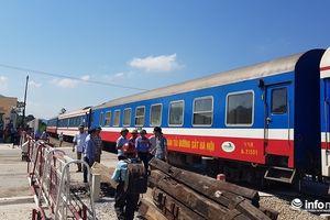 Thanh Hóa: Đường sắt Bắc - Nam thông tuyến sau 14h tê liệt