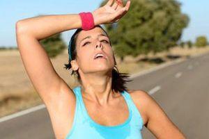 Cảm nắng có nên uống nước đường không?
