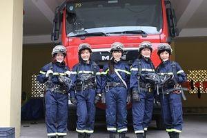 'Biệt đội' nữ cứu nạn cứu hộ