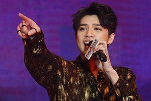 Noo Phước Thịnh khiến fan nức lòng với màn trình diễn đẹp mắt tại Hong Kong