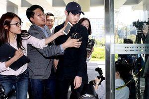 Lee Seo Won tài tử Hàn 21 tuổi chính thức lên tiếng sau bê bối quấy rối tình dục, dùng dao đe dọa sao nữ