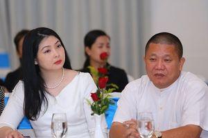 Công ty của vợ Chủ tịch HĐQT Tôn Hoa Sen đã 'trao tay' cổ phiếu HSG cho ai?