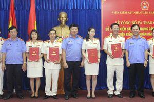 Trao Quyết định bổ nhiệm Kiểm sát viên Trung cấp, Kiểm sát viên sơ cấp