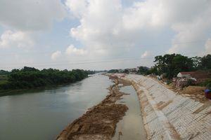 Phú Bình (Thái Nguyên): Đẩy nhanh xây dựng kè chống sạt lở bờ sông bảo vệ dân cư xã Úc Kỳ