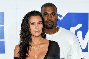 Kanye West luôn 'núp váy' vợ Kim Kardashian mỗi khi dính thị phi?