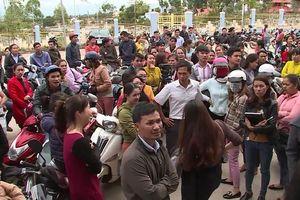 Vụ 500 giáo viên mất việc: Bộ Nội vụ đề nghị làm rõ yếu tố 'chạy việc'