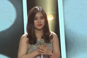 Giọng hát Việt 2018: Xuất hiện 'bản sao' Hương Tràm khiến 4 HLV tranh giành nảy lửa
