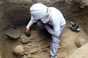 Peru phát hiện nhiều ngôi mộ dấu vết lạ nghi do hiến tế thần linh