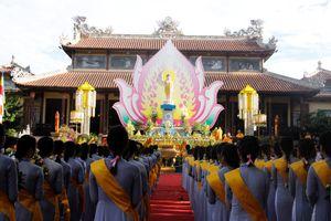Trang nghiêm Đại lễ Phật đản tại cố đô Huế