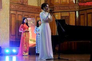 Đêm hội quy tụ nhan sắc rực rỡ nhất Học viện Âm nhạc Quốc gia Việt Nam