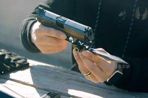 Kỳ dị thiết kế lưỡi lê cho súng ngắn bán tự động