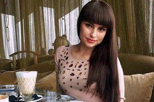 Cô gái 'không một xu dính túi' đánh bại 2.000 đối thủ để thành vợ của trùm dầu mỏ Nga