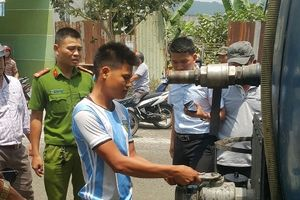Đà Nẵng: Phát hiện doanh nghiệp xả cặn nhớt ra kênh
